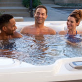 Can a hot tub help sore muscles?