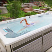 How do swim spa pools work?